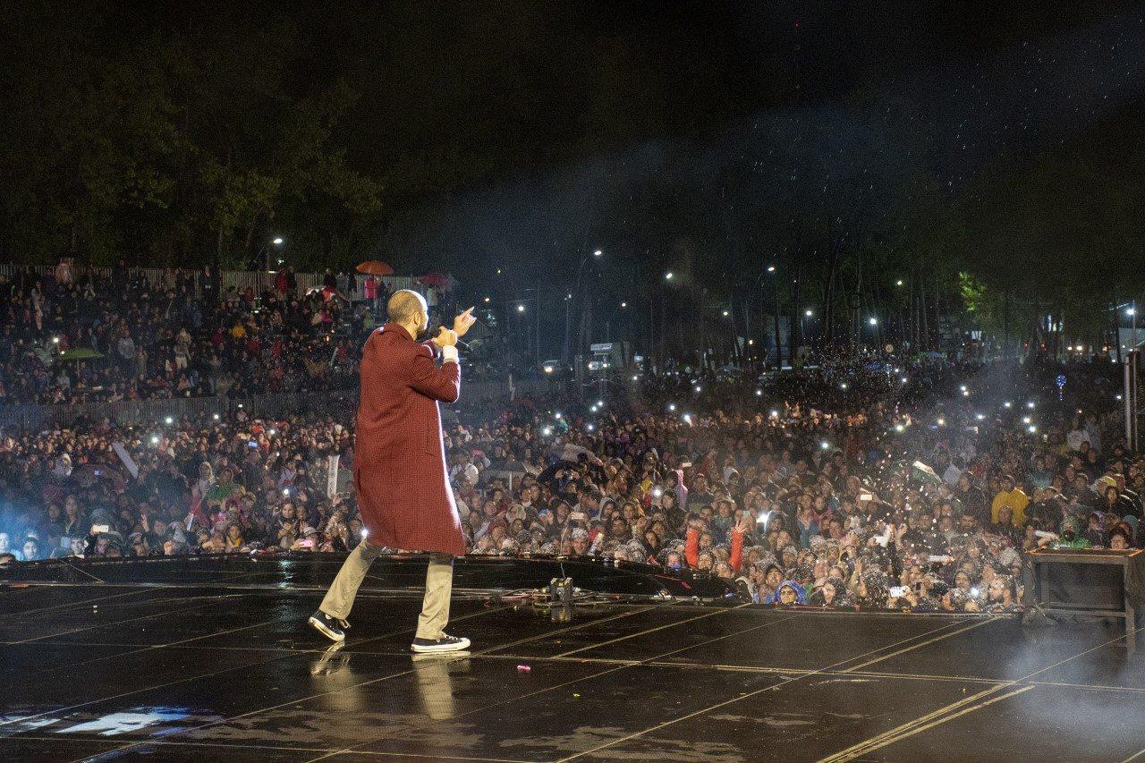 """Catriel25Noticias.com abel-manzana Con Abel Pintos y fuegos artificiales cerró la """"Fiesta Nacional de la Manzana"""" Destacadas NACIONALES"""