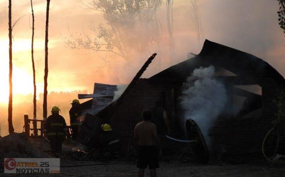 Catriel25Noticias.com incendio-la-pantera-1-583x363 Incendio en una vivienda. Pérdidas totales Destacadas LOCALES