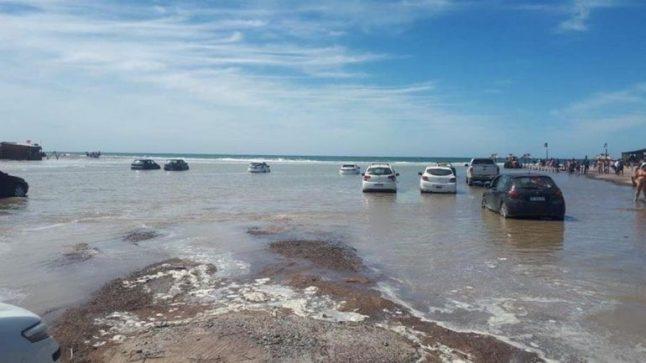 Catriel25Noticias.com las-grutas-pleamar2-646x363 Decenas de autos arruinados por la pleamar en Las Grutas Destacadas PROVINCIALES