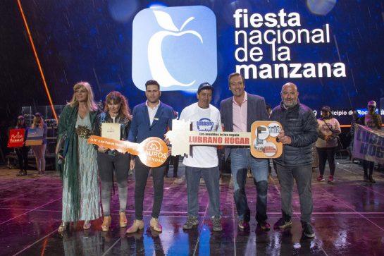 """Catriel25Noticias.com manzana-casa1-545x363 Con Abel Pintos y fuegos artificiales cerró la """"Fiesta Nacional de la Manzana"""" Destacadas NACIONALES"""