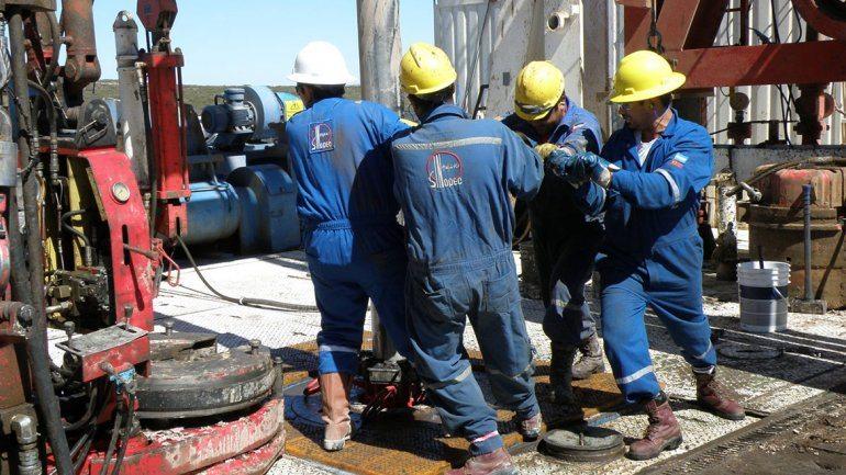 Catriel25Noticias.com PETROLEO-OBREROS1 Nación autorizó a Petroleros a sumar afiliados en La Pampa Destacadas NACIONALES