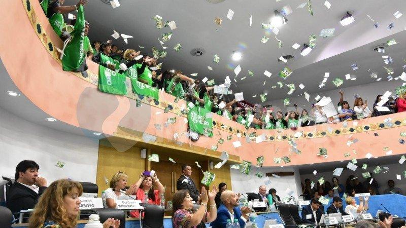 Catriel25Noticias.com legis-rn-empleados Río Negro. Legislatura aprobó el pase a planta permanente de casi 3000 contratados Destacadas PROVINCIALES