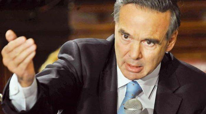 """Catriel25Noticias.com pichetto-senado1 Pichetto criticó la Asignación Universal por Hijo: """"Nadie mira a los que trabajan"""" Destacadas NACIONALES"""