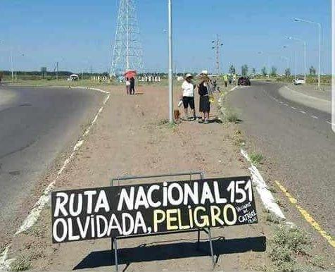 """Catriel25Noticias.com ruta-151-reclamos El peligro de circular por las rutas con los """"camiones del frácking"""" Destacadas NACIONALES"""