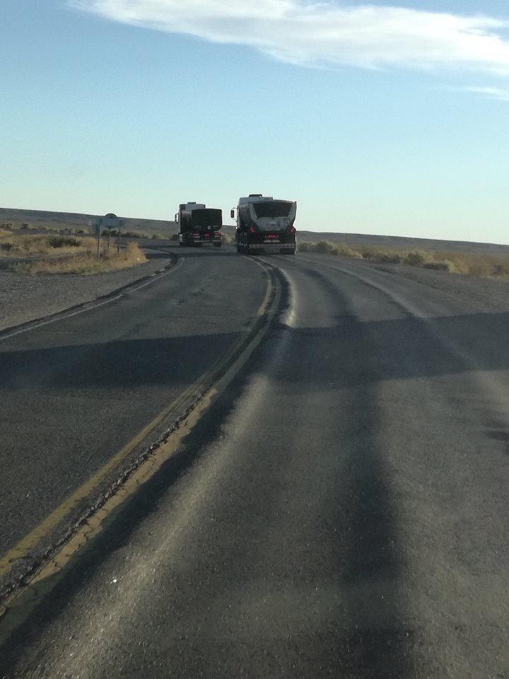 """Catriel25Noticias.com ruta-151-rota1 El peligro de circular por las rutas con los """"camiones del frácking"""" Destacadas NACIONALES"""