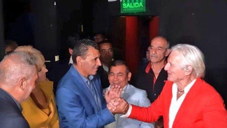Catriel25Noticias.com sergio-denis-tucuman Sergio Denis se cayó del escenario en pleno show y está internado (Video) Destacadas NACIONALES