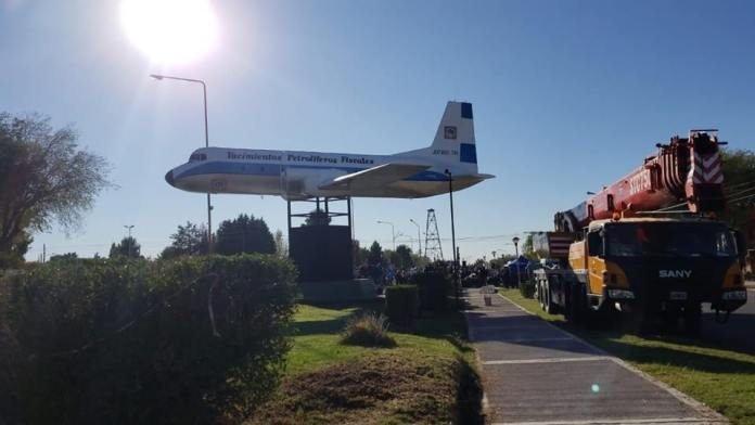 Catriel25Noticias.com avion-cutral-co 14 de abril: En 1976 cae el Avión AVRO de Y.P.F en Cutral Co Destacadas NACIONALES
