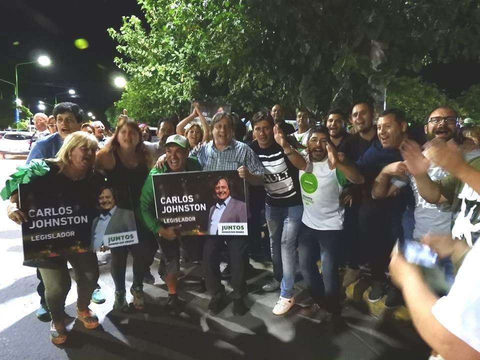"""Catriel25Noticias.com johnston-festejos1-1 Catriel. Contundente triunfo de Juntos Somos Río Negro"""" Destacadas PROVINCIALES"""