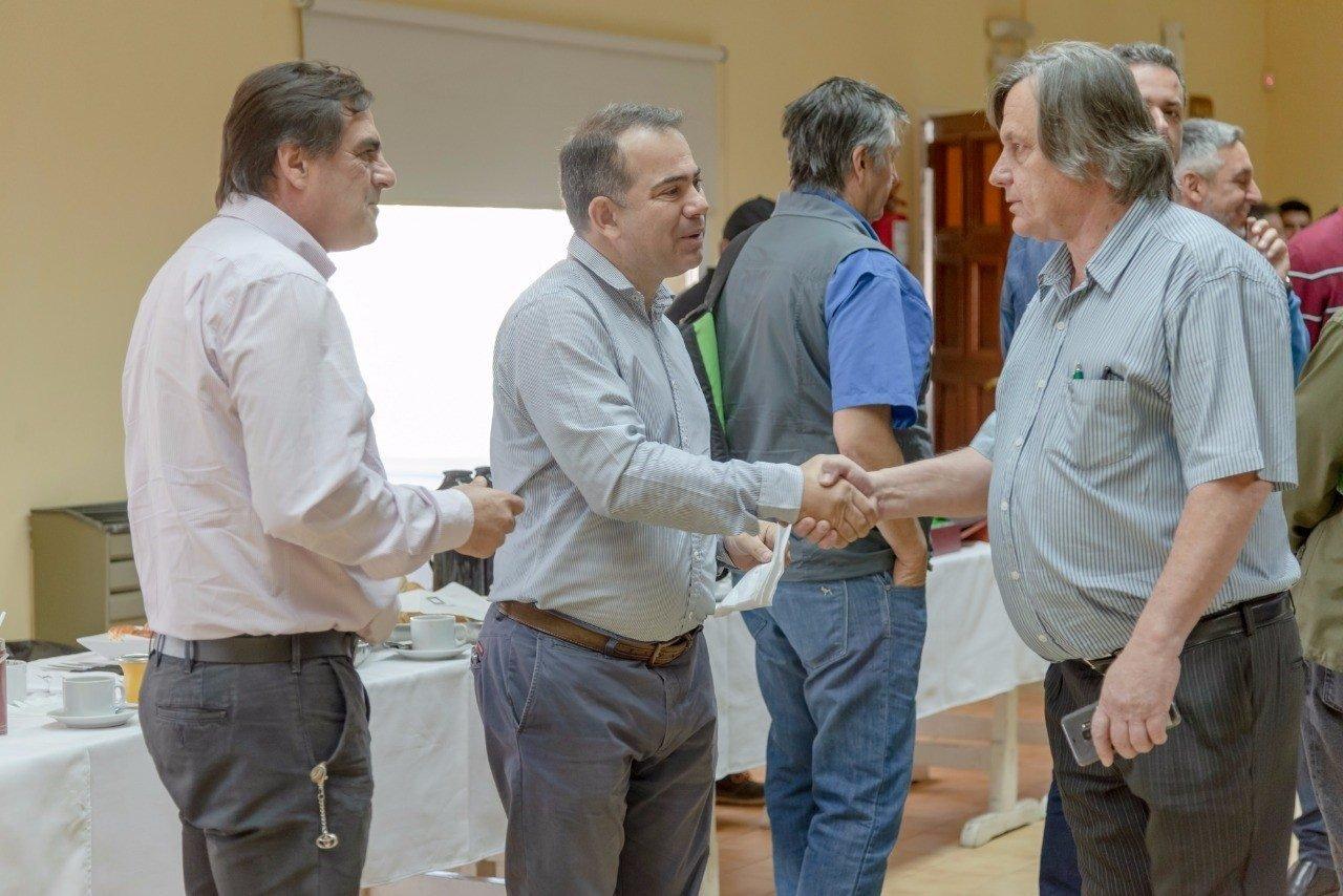 Catriel25Noticias.com johnston-vista-544x363 Petroleras, gobierno y proveedores concretaron una reunión de trabajo Destacadas LOCALES