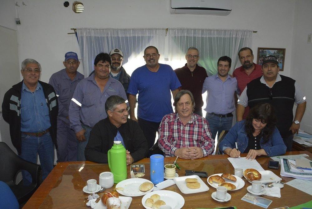 Catriel25Noticias.com paritarias-2019-543x363 Municipio acuerda con gremios en paritarias Destacadas LOCALES