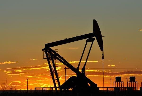 Catriel25Noticias.com petroleo24444 Petróleo: bajaron dos equipos de Petroneu y hay 24 trabajadores en situación incierta Destacadas NACIONALES