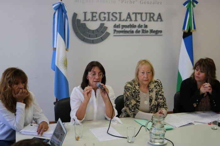 Catriel25Noticias.com SILVA-DOCENTES Avanza el Fondo de Viviendas Docentes. (Video) Destacadas PROVINCIALES