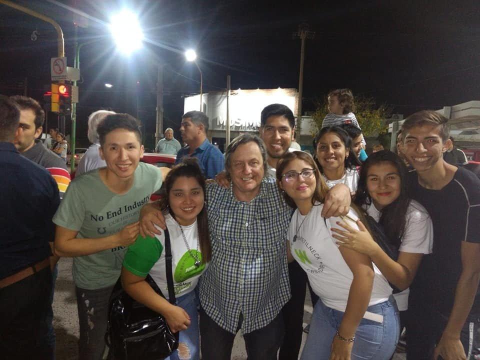 """Catriel25Noticias.com johnston-festejos2-484x363 Elecciones, el Día después. Carlos Johnston, diputado electo. """"Siento un gran orgullo"""".. Destacadas LOCALES"""