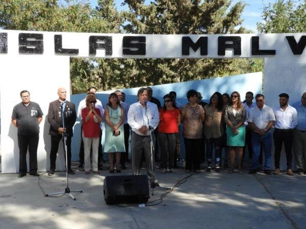 Catriel25Noticias.com johnston-malvinas Emotivo acto en el 37° aniversario de la gesta de Malvinas Destacadas LOCALES