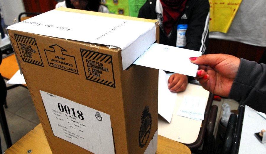 Catriel25Noticias.com urna-voto-2019 Río Negro elige 2.019. Claves para saber qué se vota y dónde votás Destacadas PROVINCIALES