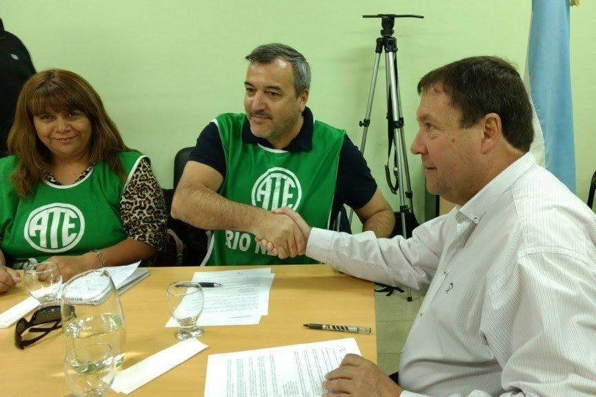 """Catriel25Noticias.com were-ate-545x363 Weretilneck duro con Soria: """"Al que piensa distinto, lo agrede o lo pasa por arriba"""" Destacadas PROVINCIALES"""