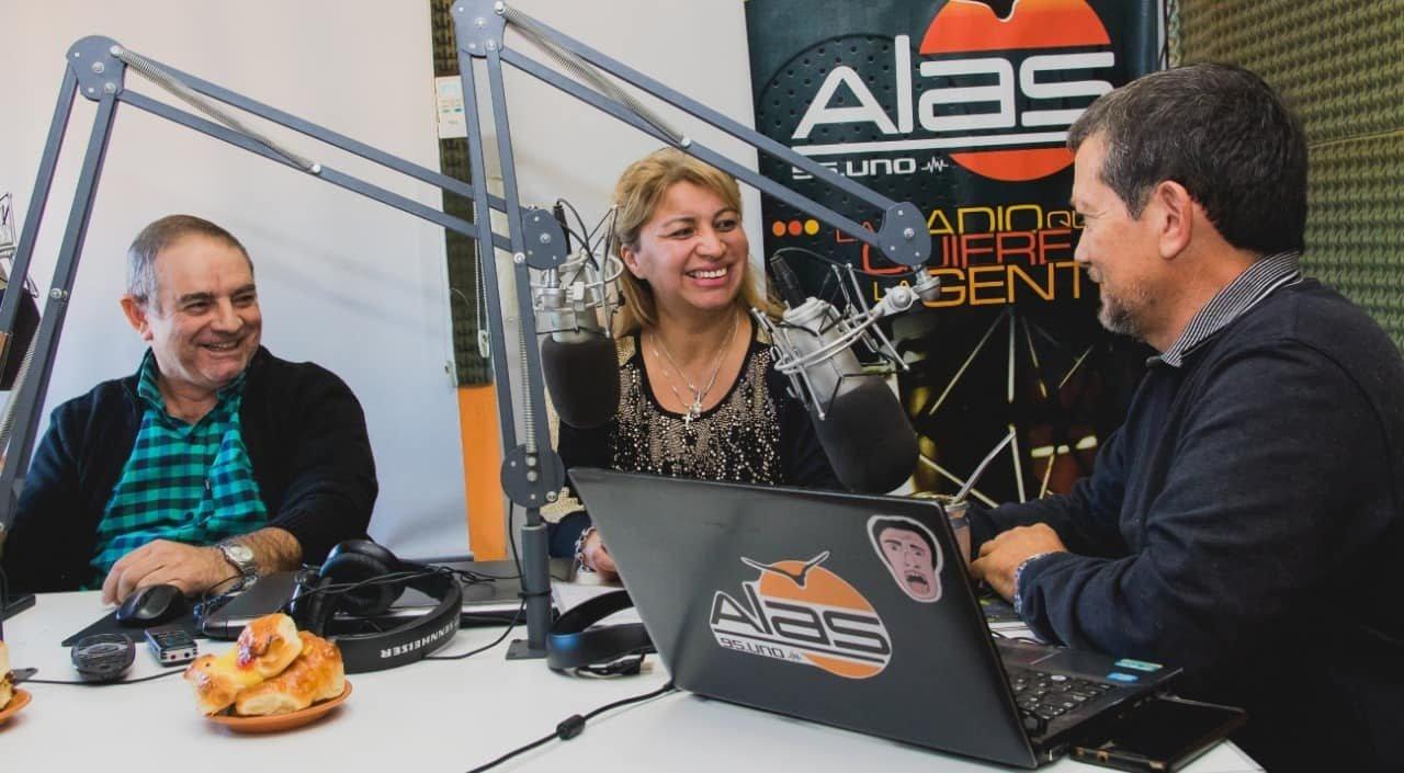 """Catriel25Noticias.com cofre-acebal-radio-659x363 Catriel elige 2.019. Cofré - Acébal ( MPP): """"Escuchar al vecino y dar trabajo..."""" Destacadas LOCALES"""