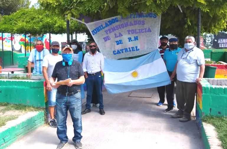 Policía retirados recaman a ANSES pagos atrasados