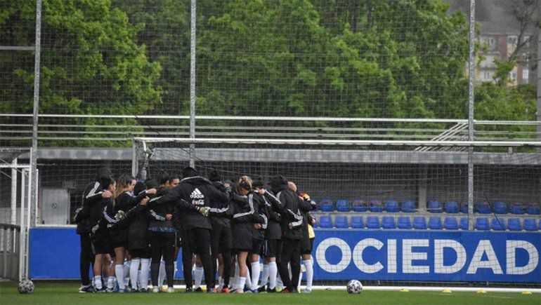Jugadoras argentinas denunciaron por acoso a un DT de AFA