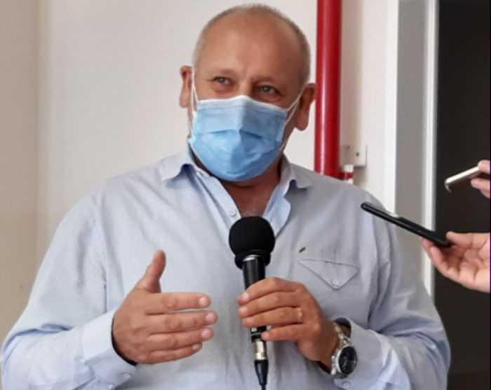 """Ministro de Salud de Río Negro: """"La mejor vacuna es la que tenemos""""…"""