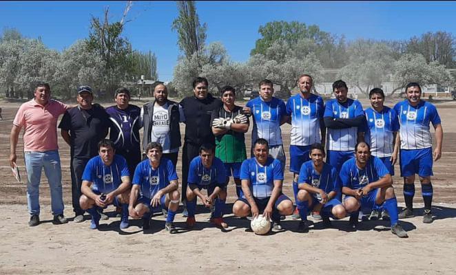 Liga de Veteranos-Hernández y Punto Unido lideran en sus categorías – Catriel25Noticias.com